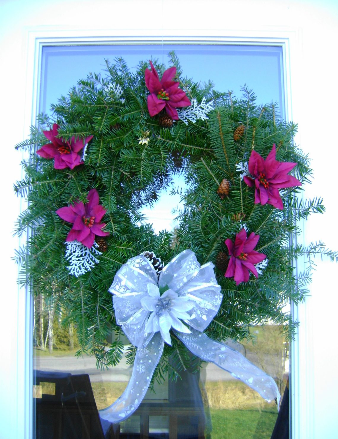 Make Your Own Evergreen Christmas Wreath - Artisan in the Woods