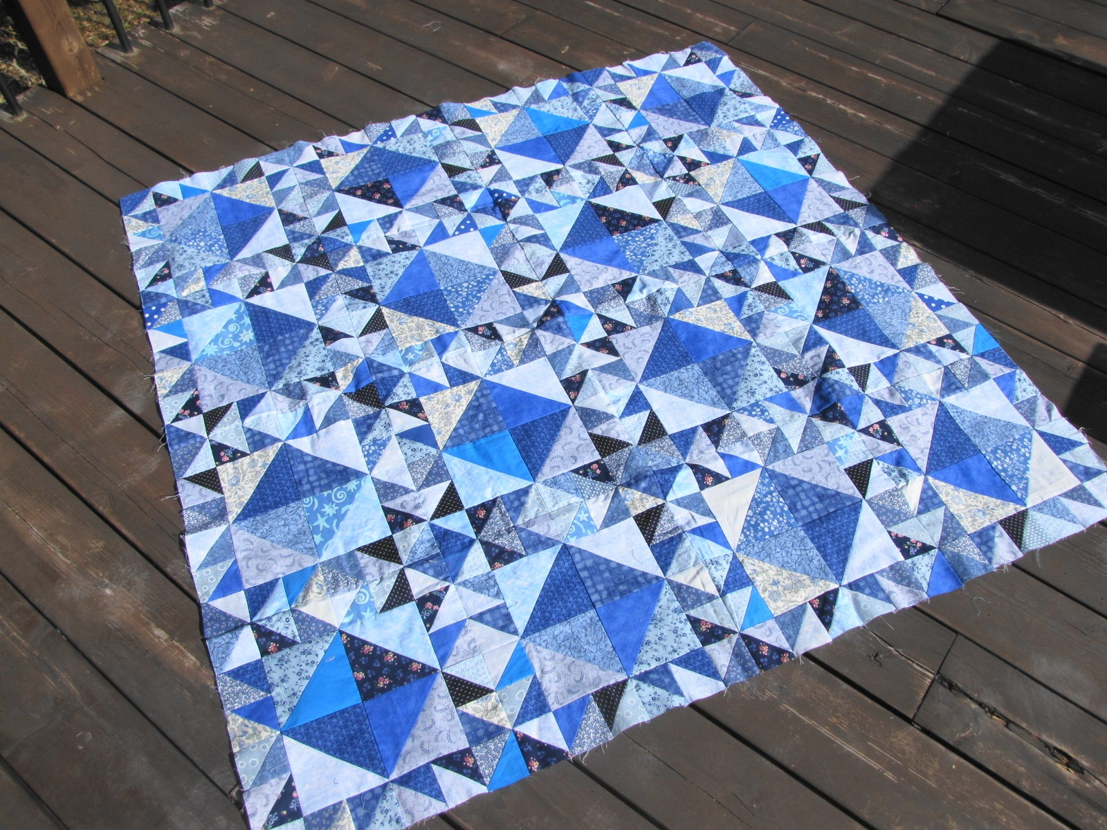 Blue Triangle Quilt Artisan In The Woods