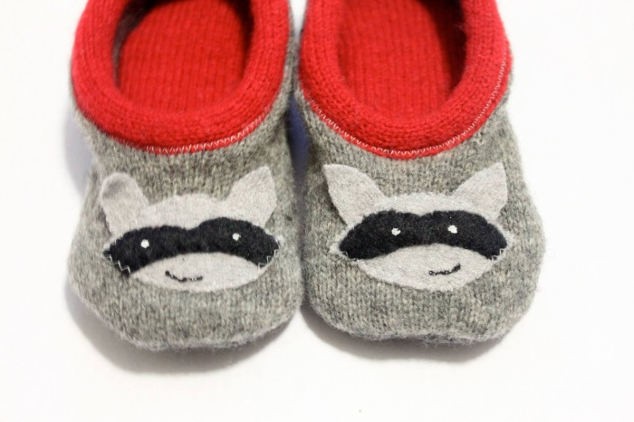 Raccoon wool,baby slippers